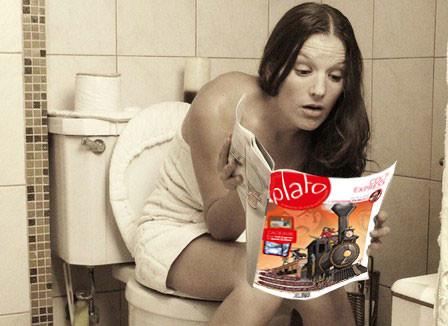 Plato et JDS dans les toilettes
