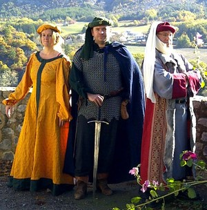 Oyez, oyez, preux chevaliers et gentes dames !